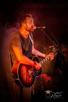 Craig Hinds of Watershed Solo @ cafe roux, Noordhoek