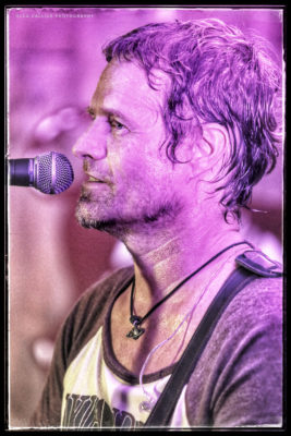 Valentines Day with Arno Carstens @ cafe roux, Noordhoek
